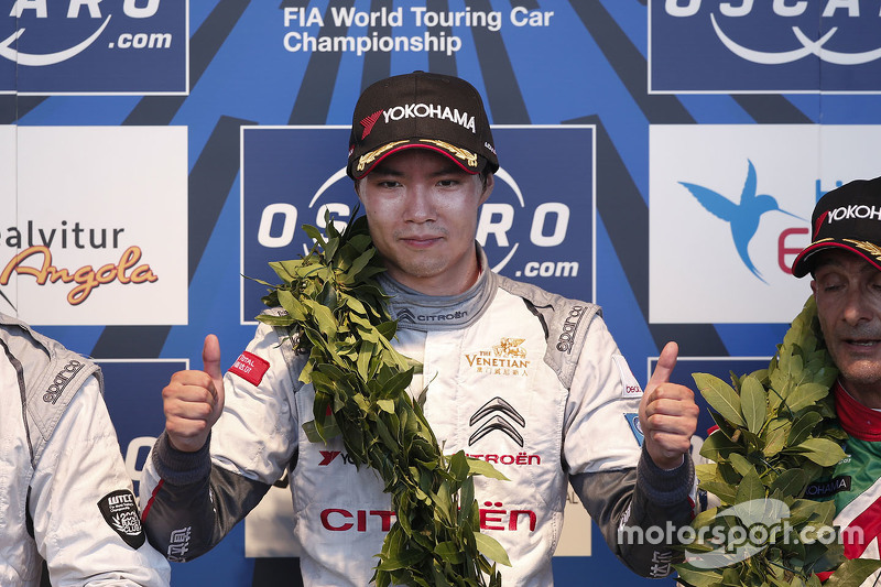 Podium:race winner Ma Qing Hua, Citroën World Touring Car team
