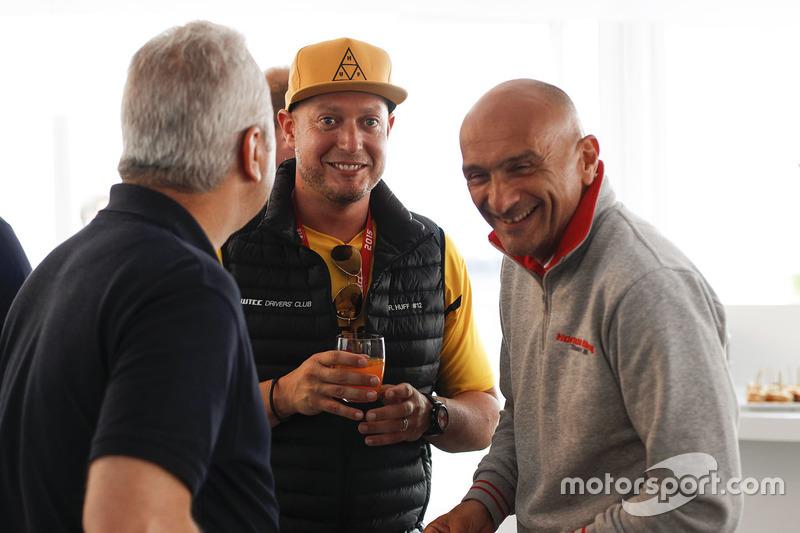 Rob Huff, Lada Vesta WTCC, Lada Sport Rosneft and Gabriele Tarquini, Honda Civic WTCC, Honda Racing