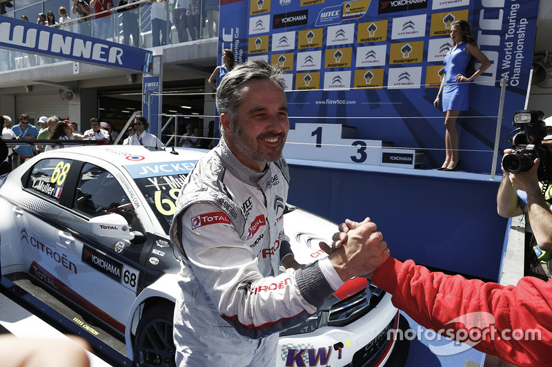Race winner Yvan Muller, Citroën C-Elysee WTCC, Citroën World Touring Car team