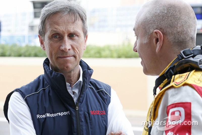 Roberto Ravaglia, team manager Roal Motorsport met Tom Coronel, Chevrolet RML Cruze TC1, ROAL Motors