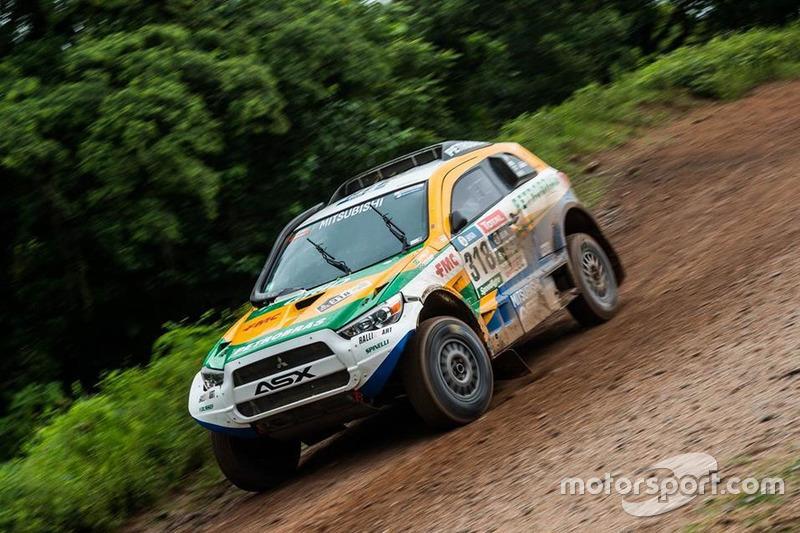 #318 Mitsubishi: Guilherme Spinelli, Youssef Haddad