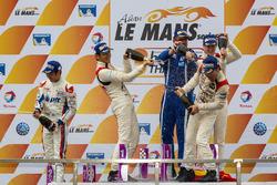 LMP3 领奖台:冠军程飞、董荷斌、托马斯·劳伦