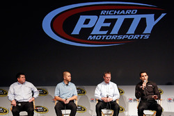 Aric Almirola, Brian Scott, Richard Petty Motorsports Ford