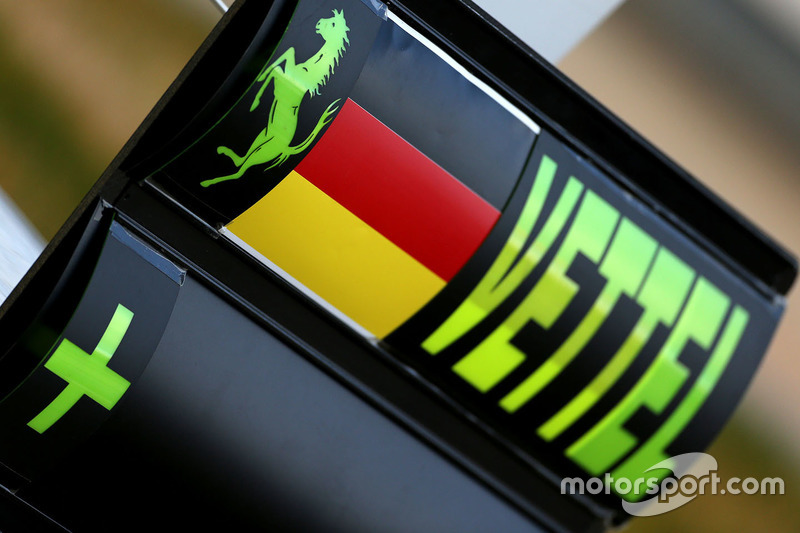 Pit board signs for Sebastian Vettel, Ferrari