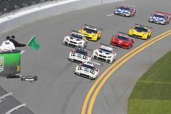 Start: #911 Porsche Team North America Porsche 911 RSR: Nick Tandy, Patrick Pilet, Kevin Estre, #912 Porsche Team North America Porsche 911 RSR: Michael Christensen, Earl Bamber, Frédéric Makowiecki