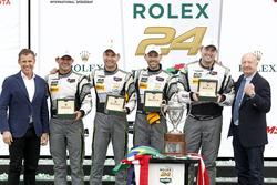 Победители в классе GTD: Джон Поттер, Энди Лэлли, Марко Зеефрид и Рене Раст, #44 Magnus Racing Audi R8 LMS