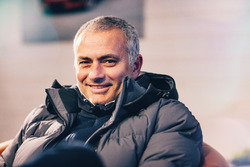 José Mourinho al volante della Jaguar F-Pace