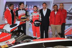 Nick Heidfeld and Bruno Senna, Mahindra Racing with Anand Mahindra, Mahindra Group Chairman