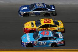 Джоі Логано, Team Penske Ford, Арік Альміроула, Річард Петті Motorsports Ford, Дейл Ірнзардт-молодший, Hendrick Motorsports Chevrolet