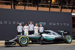 Andy Cowell, Geschäftsführer von Mercedes-Benz High Performance Powertrains; Lewis Hamilton, Mercedes AMG F1; Toto Wolff, Mercedes-Sportchef; Nico Rosberg, Mercedes AMG F1; Paddy Lowe, Technischer Leiter von Mercedes AMG F1