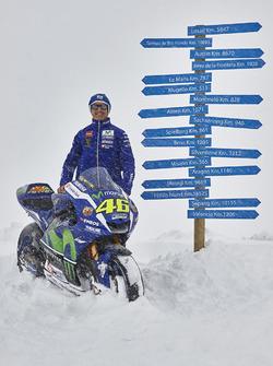 Equipo Movistar Yamaha MotoGP Director Massimo Meregalli con la Yamaha YZR-M1 2016 Valentino Rossi, Yamaha Factory Racing