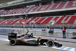 Sergio Perez, Sahara Force India F1 VJM09 verlaat de pits