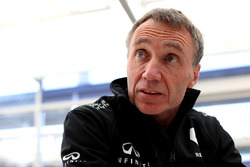 Боб Белл, технический директор Renault Sport F1 Team