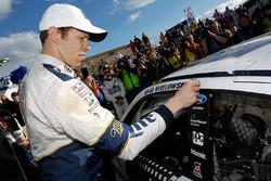 Le vainqueur Brad Keselowski, Team Penske Ford