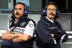 Beat Zehnder, BMW Sauber F1 Team, Team Manager and Dr. Mario Theissen, BMW Sauber F1 Team, BMW Motorsport Director