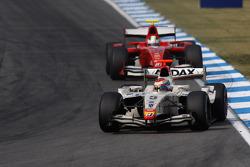 Vitaly Petrov leads Carlos Iaconelli