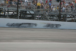 David Reutimann leaves marks on the south short chute wall