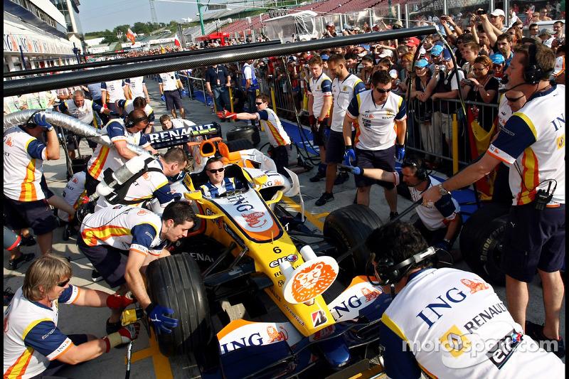 Renault F1 Team, Pitstop practice