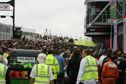 Clearing the Pitlane after the Pitwalk