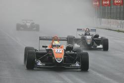 Yann Clairay SG Formula Dallara-Mercedes; Daniel Ricciardo SG Formula Dallara-Mercedes