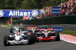 Robert Kubica, BMW Sauber F1 Team, F1.08, Heikki Kovalainen, McLaren Mercedes, MP4-23
