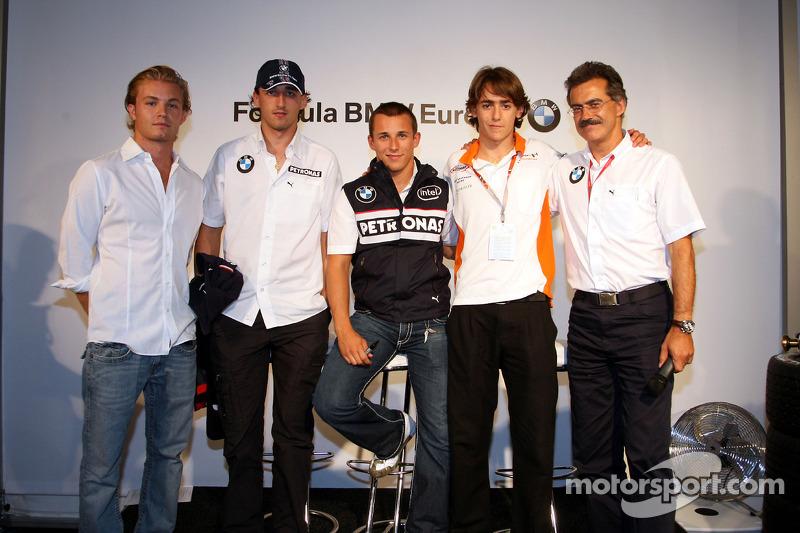 2008 Hospitality FBMW: Nico Rosberg, WilliamsF1 equipo, Robert Kubica, BMW Sauber F1 Team Christian Klien, piloto de pruebas, BMW Sauber F1 Team, Esteban Gutiérrez, José-Kaufmann-Racing, Dr. Mario Theissen, BMW Sauber F1 Team, BMW Motorsport Director