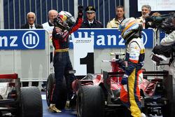 1. Sebastian Vettel mit Fernando Alonso