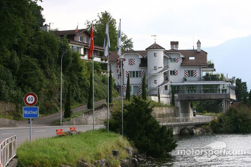 Vettel Home