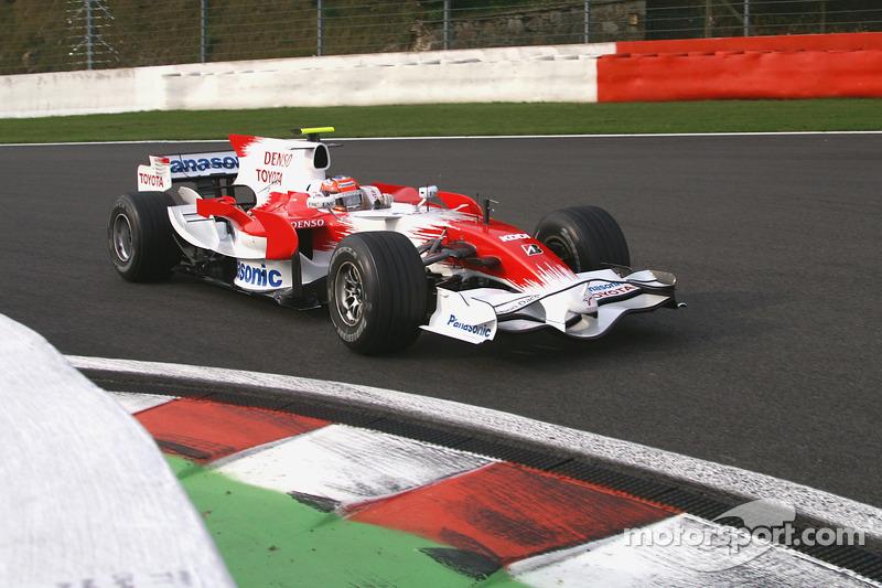 "<img src=""https://cdn-3.motorsport.com/static/img/cfp/0/0/0/0/83/s3/germany-4.jpg"" alt="""" width=""20"" height=""12"" />Тимо Глок, Toyota (25 очков, один подиум)"