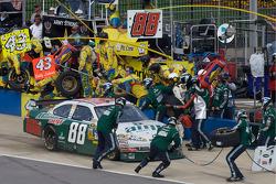 Pit stop for Dale Earnhardt Jr.