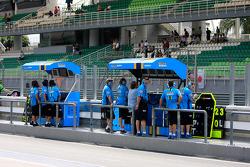 Rizla+ Suzuki pit wall