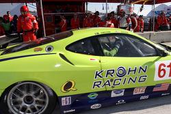 Pit stop for #61 Risi Competizione Ferrari F430 GT: Tracy Krohn, Nic Jonsson