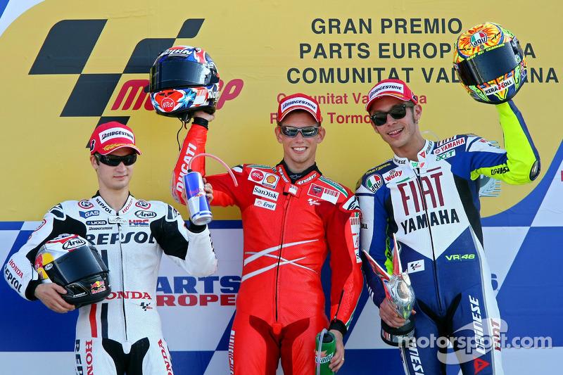 Podio: 1º Casey Stoner, 2º Dani Pedrosa, 3º Valentino Rossi