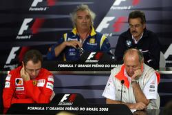 Пресс-конференция FIA: руководитель команды Renault F1 Флавио Бриаторе, руководитель BMW Sauber F1 Марио Тиссен, спортивный директор Scuderia Ferrari Стефано Доменикали, руководитель McLaren Рон Деннис