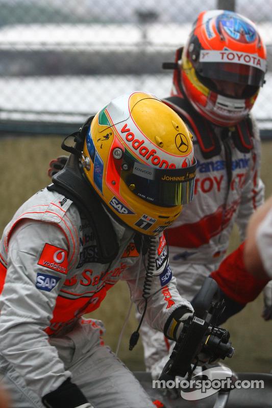 Campeón del mundo 2008 Lewis Hamilton y Timo Glock