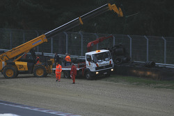 The GT1 qualifying session is interrupted, as a result of brutal exit of #1 Maserati at the Lucien Bianchi curve
