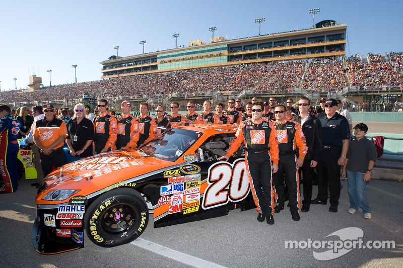 November 2008: Abschied von Joe Gibbs Racing