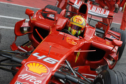 Валентино Росси на тестах Ferrari F2008