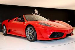 Ferrari Scuderia 16M