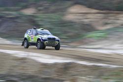 X-raid team: René Kuipers and Filipe Palmeiro test the #330 BMW X3 CC