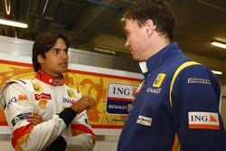 Nelson A. Piquet con Alan Permane,  Ingeniero Jefe de Carrera, Renault F1