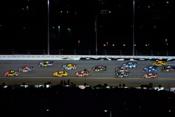 Jeff Gordon, Hendrick Motorsports Chevrolet and Jamie McMurray, Roush Fenway Racing Ford battle for the lead