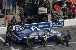 Pit stop for John Andretti, Earnhardt Ganassi Racing Chevrolet