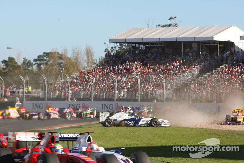 Nick Heidfeld, BMW Sauber F1 Team, en tête-à-queue
