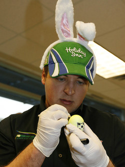 Stephen Leicht's intense work wins him the top driver honor in the egg dying contest