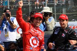 Race winner Dario Franchitti, Target Chip Ganassi Racing, celebrates