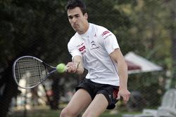 Daniel Sordo plays tennis