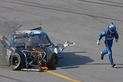 Carl Edwards, Roush Fenway Racing, Ford, nach Crash