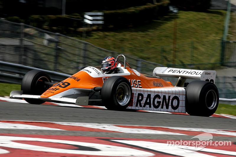 #69 Rowland Kinch (GB) Arrows A4-2, G-Cat Racing (1982)