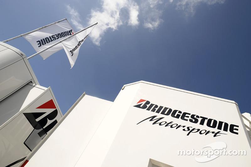 Zona de Bridgestone Motorsport paddock